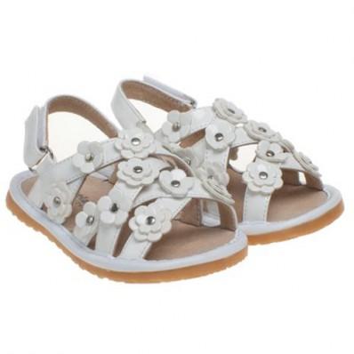 Little Blue Lamb - Chaussures à sifflet | Sandales petites fleurs blanc cérémonie