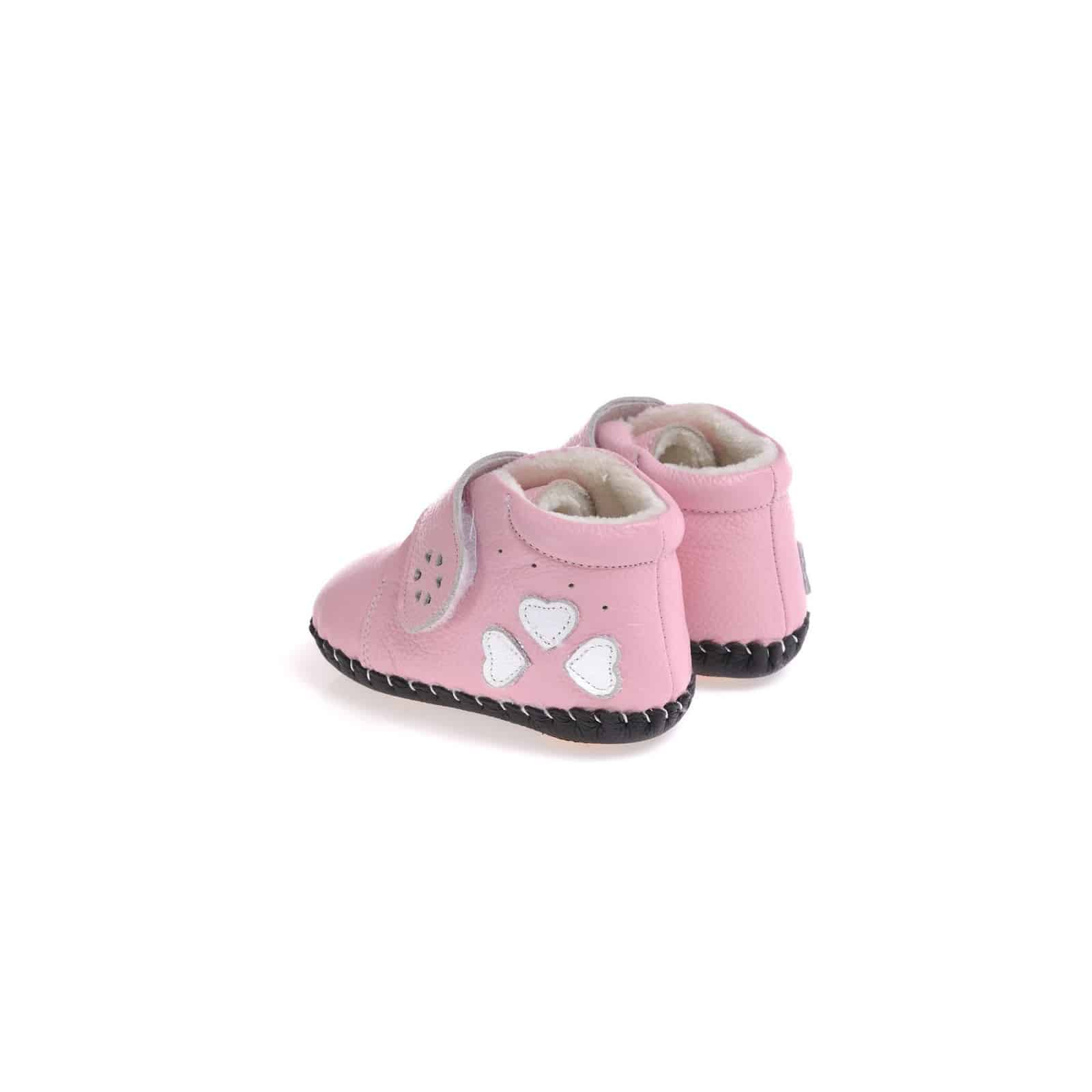 The shoes are made of premium grade leather, and their footwear system allows you to choose shoes designed for first steps, next steps and big steps. Stride Rite: Stride Rite offers shoes for baby's first steps that are adjustable, durable and flexible.