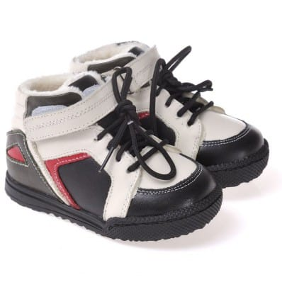 http://cdn2.chausson-de-bebe.com/3239-thickbox_default/caroch-soft-sole-boys-toddler-kids-baby-shoes-blue-and-white-filled-booties.jpg