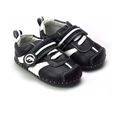http://cdn2.chausson-de-bebe.com/951-thickbox_default/freycoo-baby-boys-first-steps-soft-leather-shoes-black-and-white-sneakers.jpg